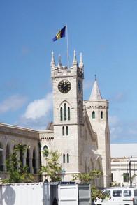 Detalle de la plaza de los hérroes nacionales