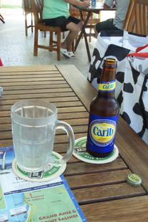 Una cerveza en mitad del camino