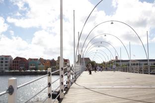 Puente que nos lleva al centro de la ciudad