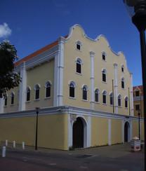 Sinagoga. Como era domingo, el museo estaba cerrado