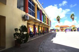 Estación de autobuses. De aquí salen autobuses hacia los lugares más importantes de la isla
