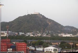El punto más alto de Cartagena, creo recordar que es un convento de agustinos. Cartagena es un lugar muy llano, sin montañas. Tan llano que está a tan solo 2 m por encima del nivel del mar.