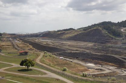 Obras de ampliación del Canal. Se espera que el nuevo esté en marcha en 2014.