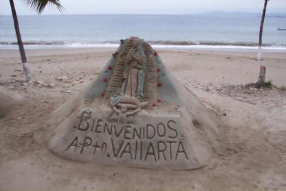 Puerto Vallarta tiene fama de tener buenas esculturas de arena en la playa