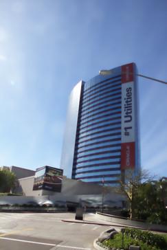 Edificio de la famosa empresa de software de computadores Oracle. En San Diego también está la empresa de Qualcomm que ha diseñado muchos productos de telecomunicaciones y procesadores para routers y teléfonos móviles
