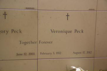 Veronique Peck