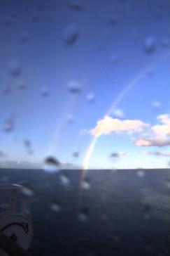 dos arcoiris y el objetivo sigue mojado