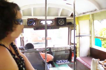Nuestro autobús por dentro