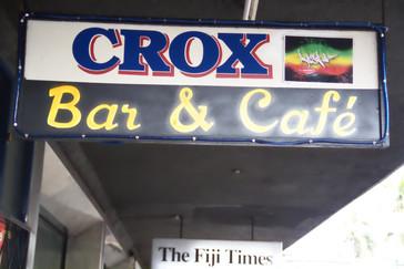 Bar ¬ Café. café escrito en español con acento.