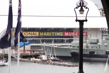 El Museo Marítimo desde el monorail