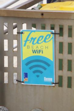 Es una playa con Wifi gratuito