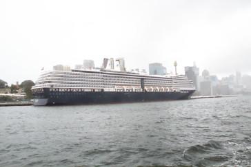 Barco Holland American que también da la vuelta al mundo