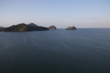 Islas del archipiélago de Langkawi que empezaron a verse hacia las ocho de la mañana