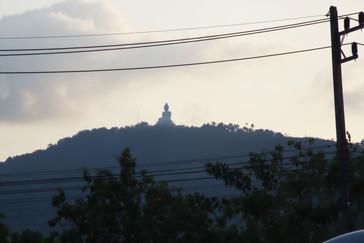 A fondo el Buda gigante