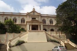 Edificio al lado de Santa Lucía