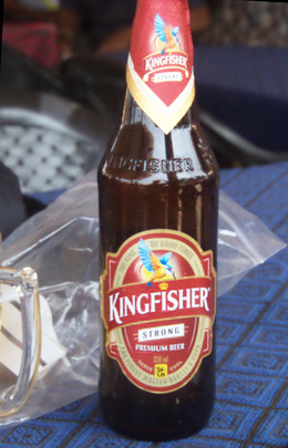 Cerveza Kingfisher strong. 8 grados de alcohol