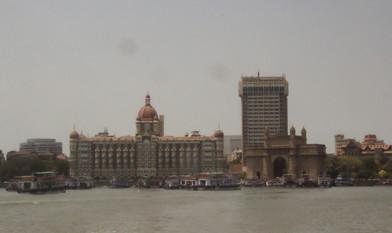 Otra vista del Taj Mahal y de la Puerta de la India