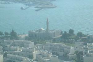 Mezquita al lado del mar