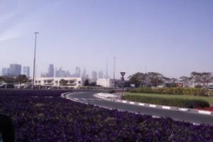 Nos vamos alejando de la ciudad. Al fondo, la torre más alta es Burj Khalifa