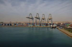 Un detalle del puerto e Sokhna