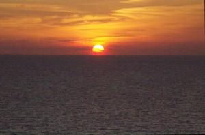 Snochecer en un Mediterráneo muy tranquilo
