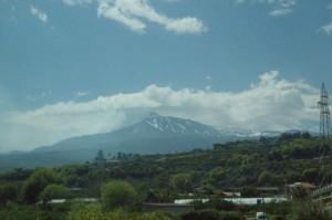 Al fondo el Etna