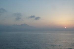 El Vesubio mira al Sol naciente