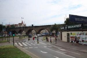 Puente sobre el río Vistula. En su día por donde hoy está la cerretera pasab el río Vístula.
