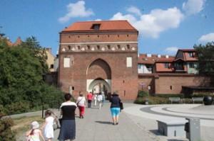 Entrada a las murallas de Toruń