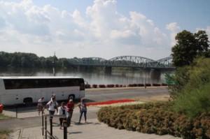 Nuestro autobús y el río Vístula