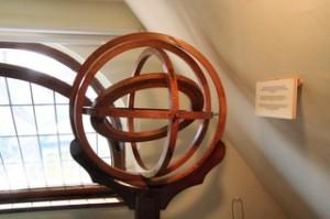 Esfera armilar similar a la usó Copérnico