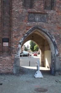 Desde el puerto vemos esta entrada a la ciudad antigua