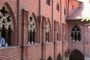 Precioso patio gótico