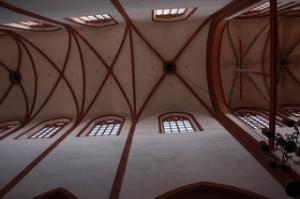 Una iglersia con este precioso techo. Lamentablemente no recuerdo qué iglesia era