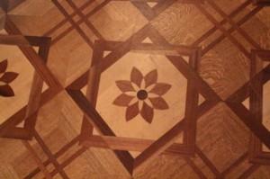 Suelo de diversas maderas