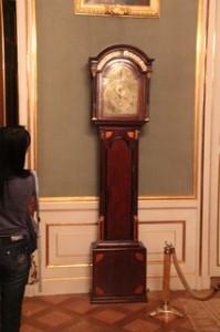 Reloj en la sala de vestirse del rey