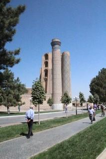 Un minarete de la mezquita de Bibi-Khanym