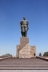 Shakhrisabz. Estatua de Tamerlan