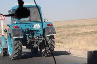Tractor en la carretera