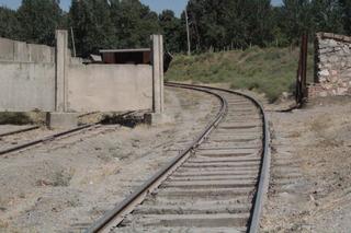 Nos cruzamos con una antigua vía de ferrocarril
