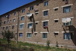 Casas con antena parabólica individual
