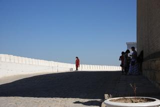 Contraste de luz y sombra en la fortleza el Ark de Bujará
