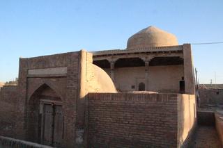 Edificio. ¿Mezquita?, ¿madraza?...