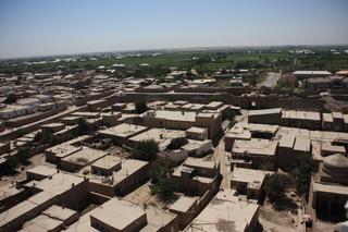 Vista desde lo alto de minarete de la madraza Islom Xo'ja
