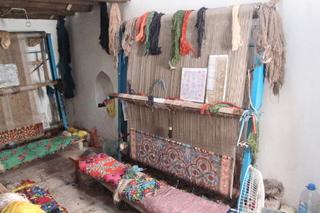 Otro telar y otros hilos de colores