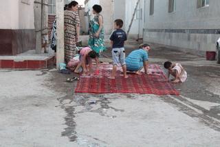 Limpiando alfombras