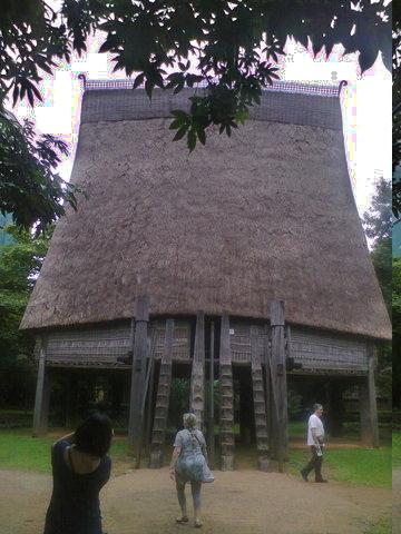 Casa comunal de la etynia Bahnar