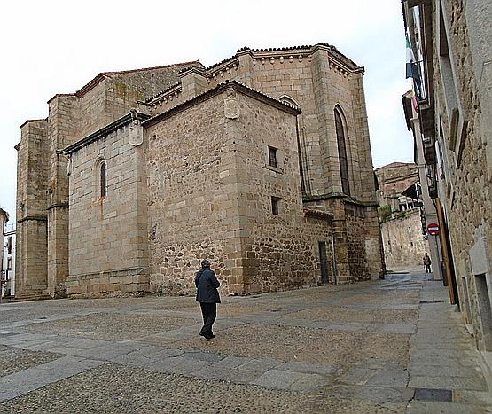 Iglesia de San Nicolás, vista por detrás.