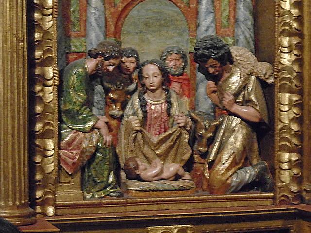 Detalle del retablo de madera policromada del siglo XIII.