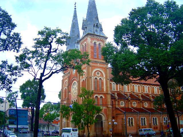 Catedral de Saigón.